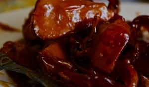 maple-glazed applewood-smoked bacon